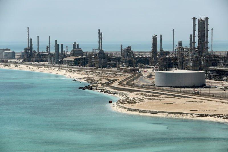 Harga minyak turun ketika kasus corona meningkat dan produksi Libya bangkit