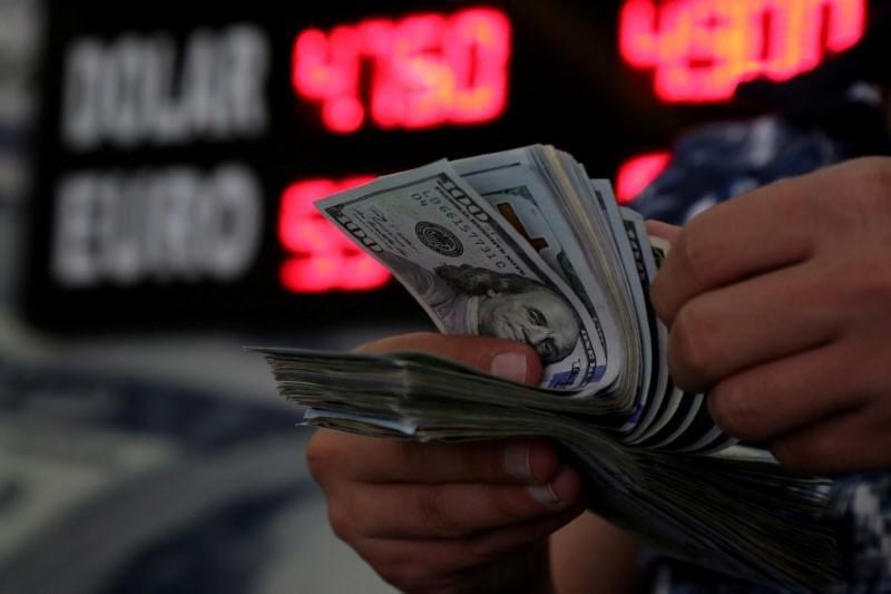 Dolar di tertinggi 3,5 bulan