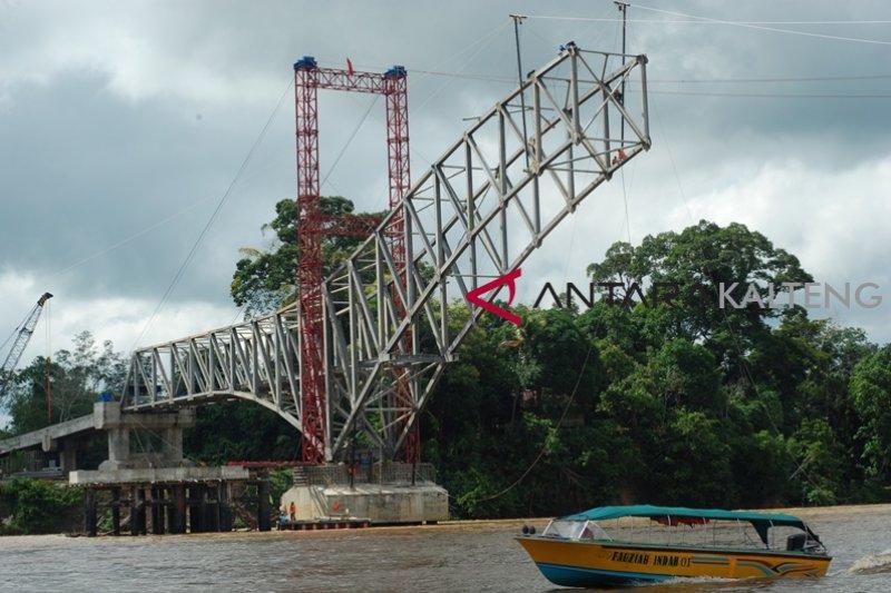 Jembatan Muara Teweh - Jingah ditargetkan berfungsi akhir tahun ini