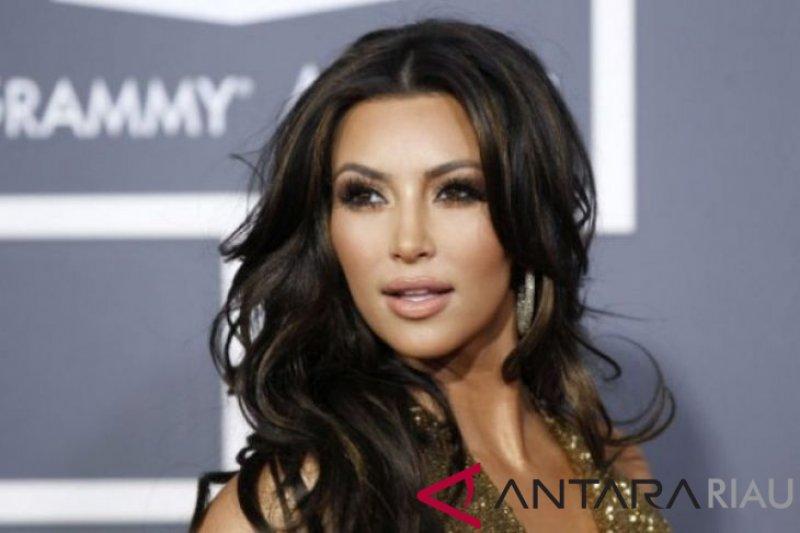 Kim Kardashian akan melahirkan anak keempatnya pada bulan Mei