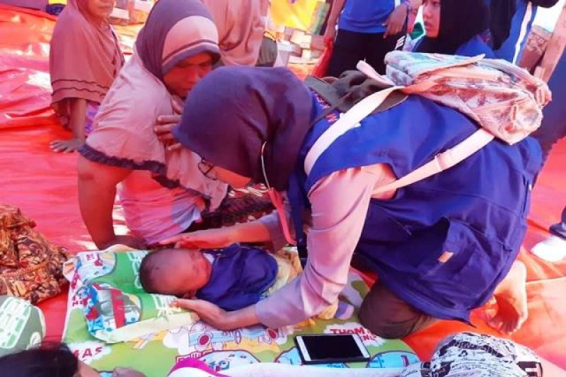 Tim Kemanusiaan PKBI Lampung Bantu Korban Tsunami Lampung Selatan