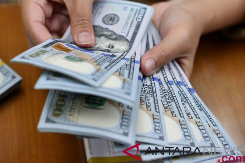 Dolar AS melemah tajam