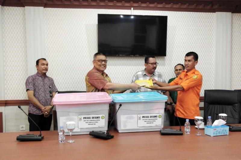 DPRD Sulsel serahkan bantuan kemanusiaan ke Sulteng