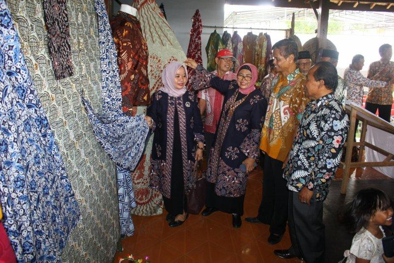 Wabup Sleman resmikan Galeri Batik Tulis dan Kuliner