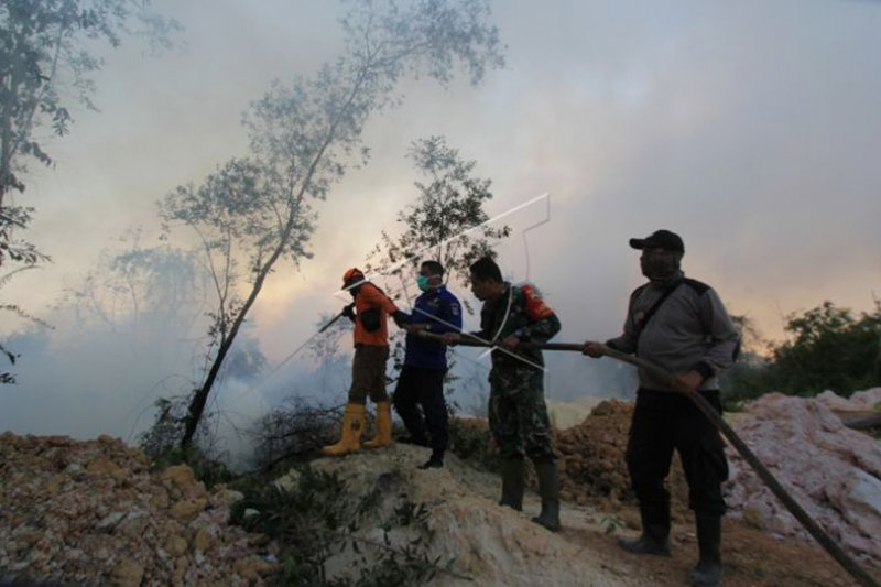 Karhutla Riau - Satgas Darat Karhutla Dumai padamkan satu titik api