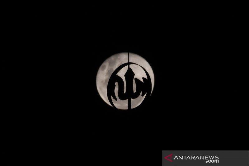 Bulan purnama pink terbesar akan tampak pada Rabu dini hari pukul 01.08 WIB