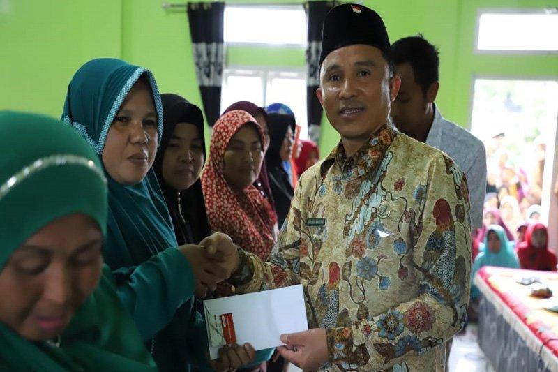 Bupati Lampung Barat resmikan program Keluarga Harapan