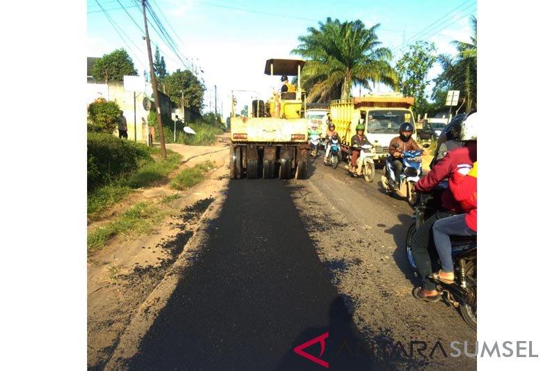 Menteri: Pemdes bangun 191 ribu km jalan desa