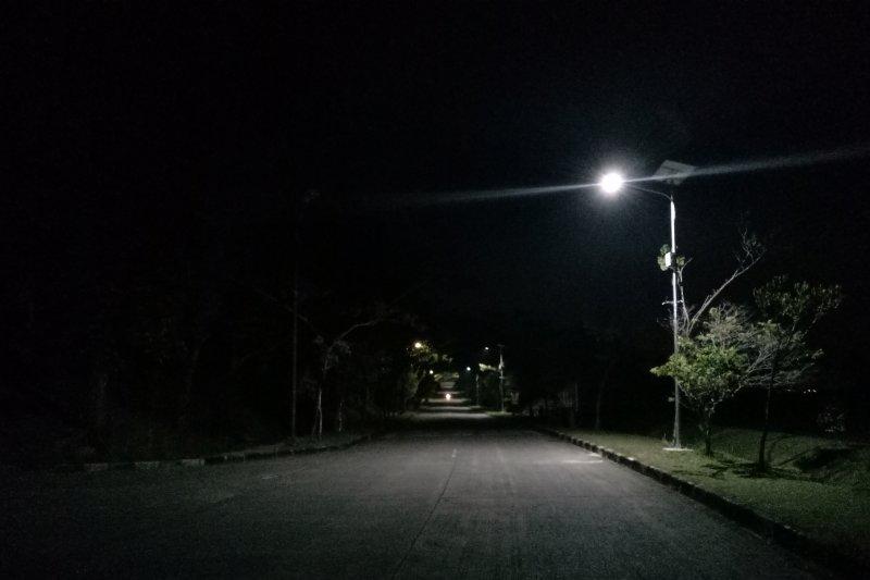 Desa Bandar Jaya pasang 13 titik penerangan jalan umum