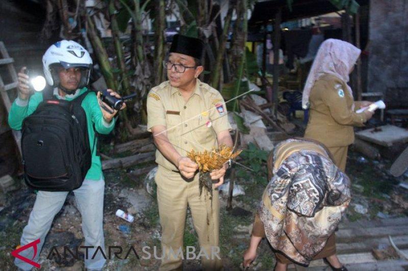 Polresta Padang telah periksa 12 saksi terkait sate diduga  daging babi