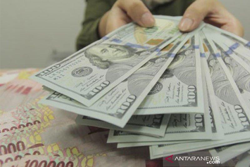 Kurs dolar menguat setelah ada penjualan ritel menggembirakan