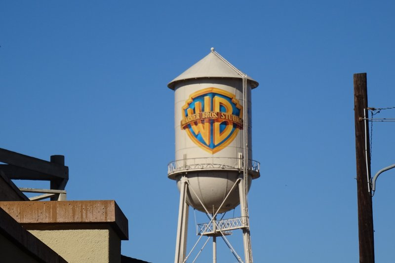 Garap proyek podcast, Warner Bros dan DC gandeng Spotify