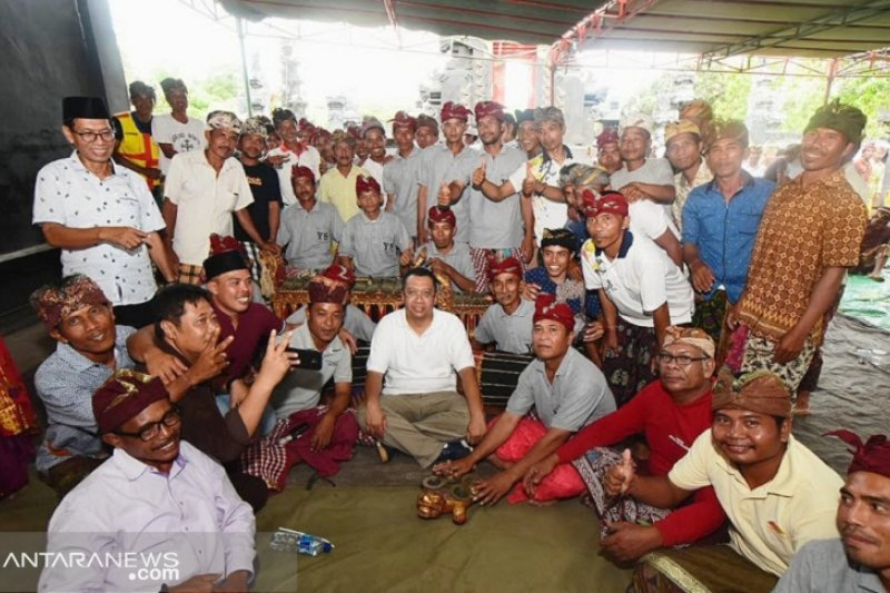 Gubernur NTB sapa umat Hindu di Poto Tano