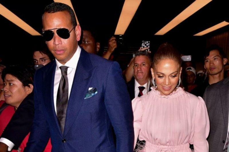 Jennifer Lopez rayakan Natal dengan 'sangat kasual'