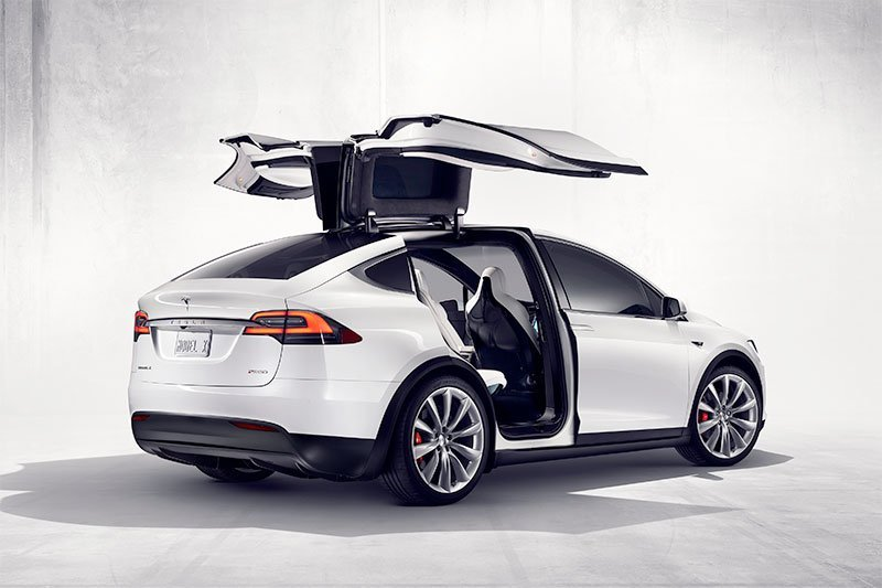 Elon Musk pastikan harga mobil Tela naik tiga persen
