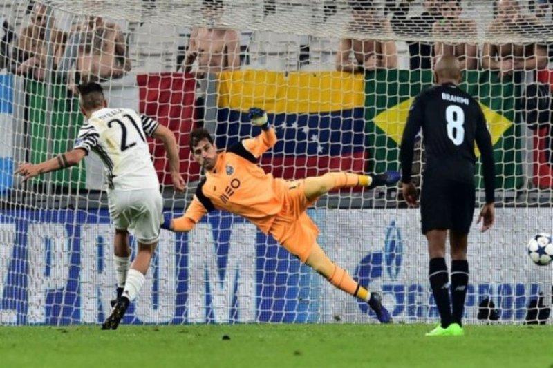 Casillas perpanjang kontrak, ingin akhiri karir di Porto