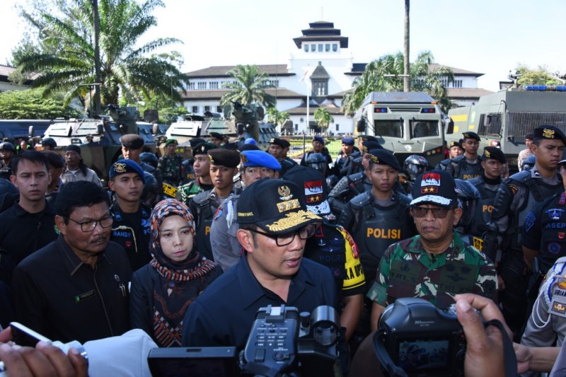 Gubernur Jabar tunda pelantikan 3 kepala daerah kabupaten/kota