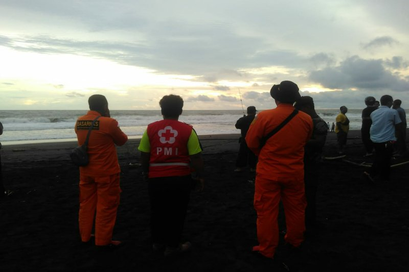 Tim gabungan temukan dua korban tenggelam Pantai Congot