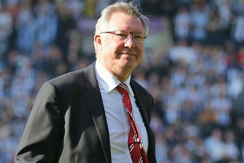 Alex Ferguson beri selamat Kenny Dalglish saat Liverpool juara
