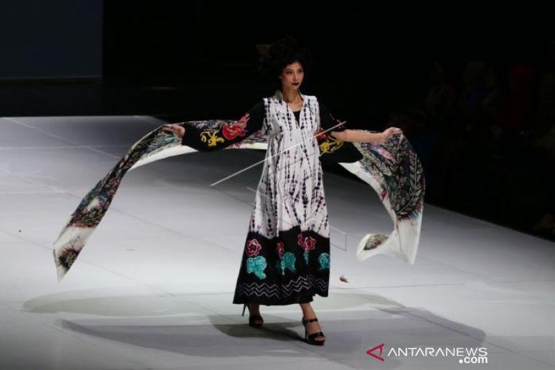 INDONESIA FASHION WEEK 2019