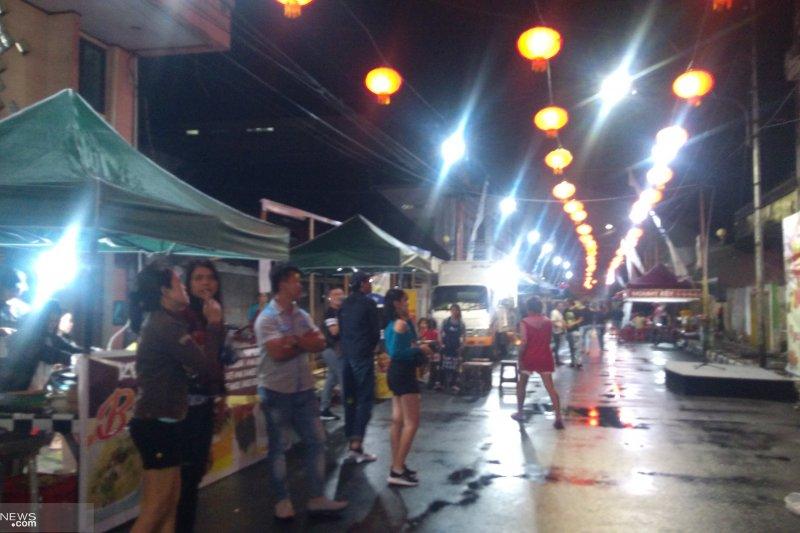 """""""Street food keonya-koenya"""" wisata kuliner baru Manado"""