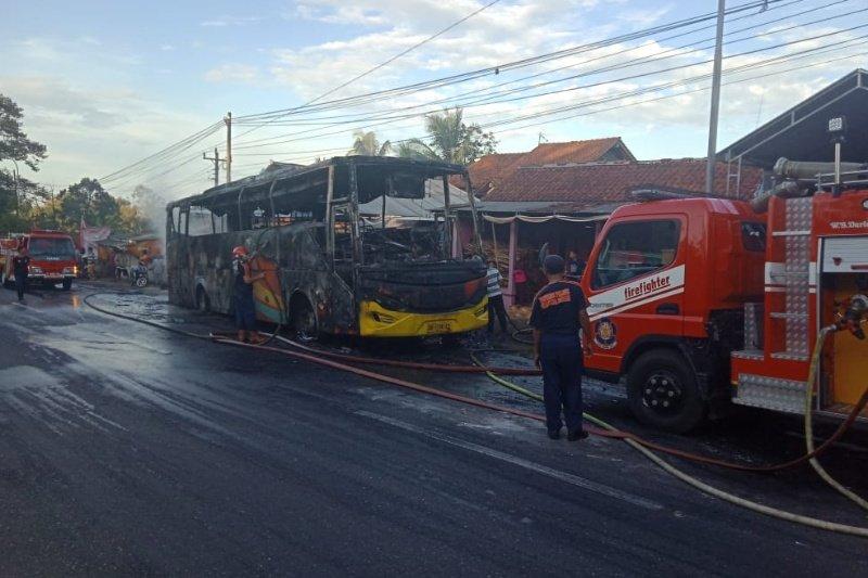 Bus Rosalia Indah terbakar di tanjakan Krumput Banyumas
