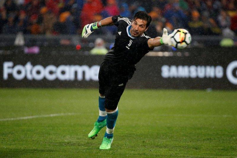 Buffon jadi pahlawan kemenangan Juventus atas Inter Milan di ICC