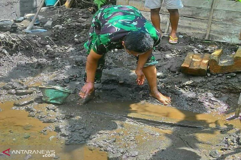 Susunan batu sisa candi ditemukan warga di Cangkringan