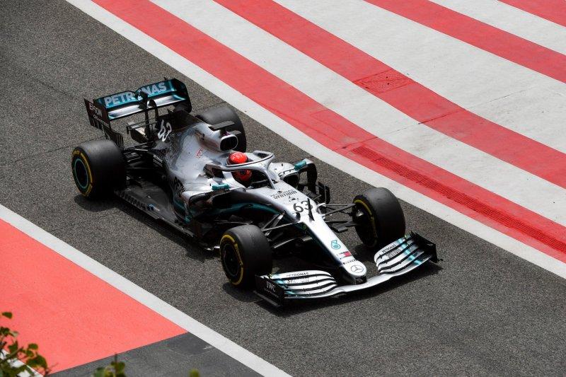 George Russell buktikan kecepatannya di belakang kemudi Mercedes di Bahrain