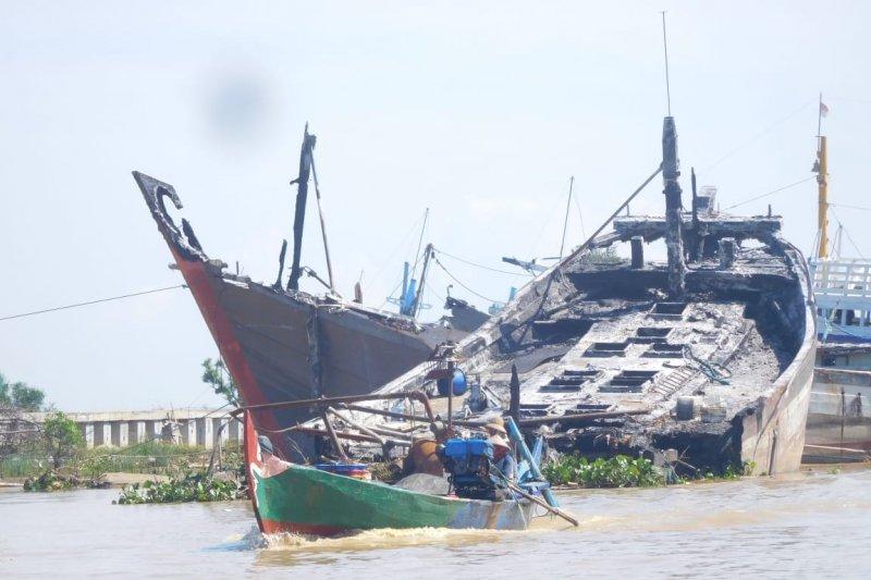 Puluhan kapal mangkrak berpotensi hambat proyek normalisasi Sungai Juwana