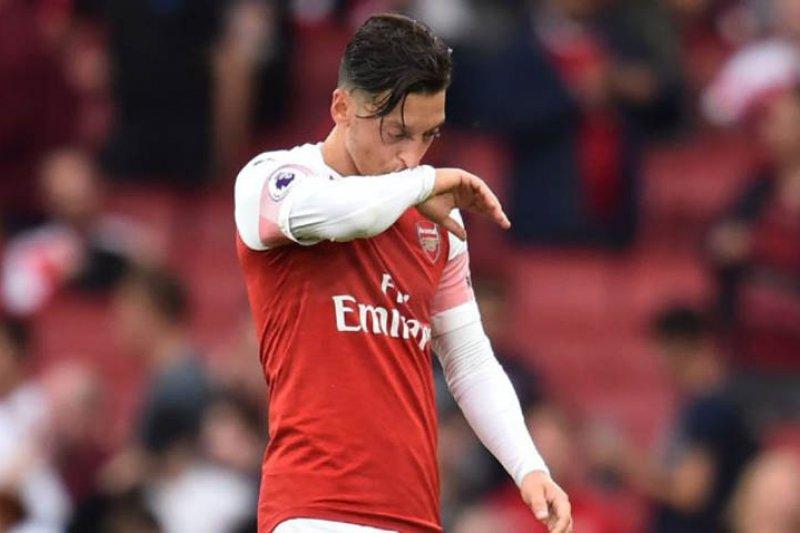 Arsenal istirahatkan Ozil dan Sokratis saat tandang ke Frankfurt