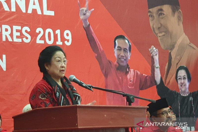 Megawati mengingatkan kadernya untuk berani bersuara