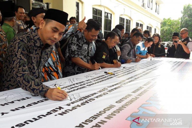 Polres Metro Bekasi inisiasi deklarasi damai pascapemilu