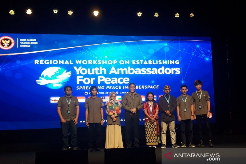 Young Indonesians can be affected by radicalism: Wiranto