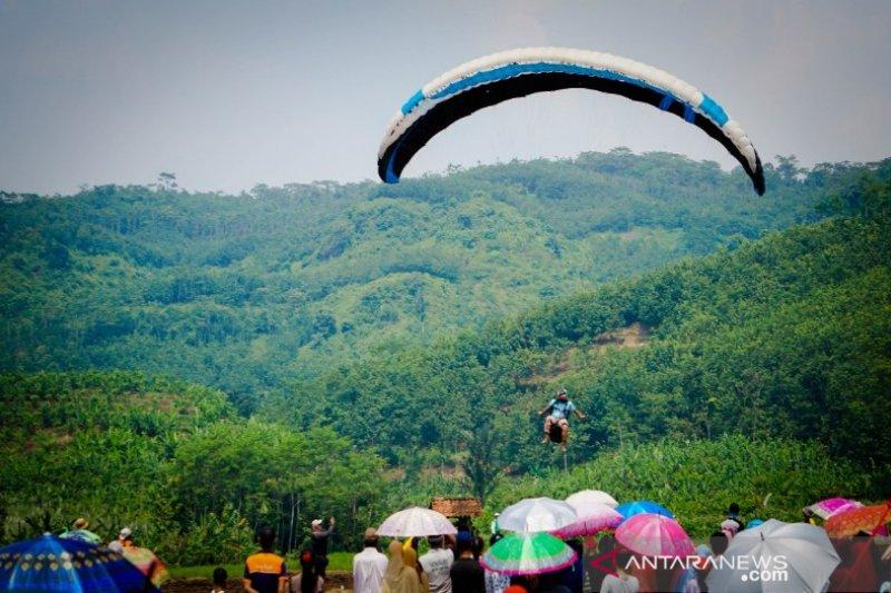 ratusan atlet paralayang siap meriahkan Paragliding TROI Batang