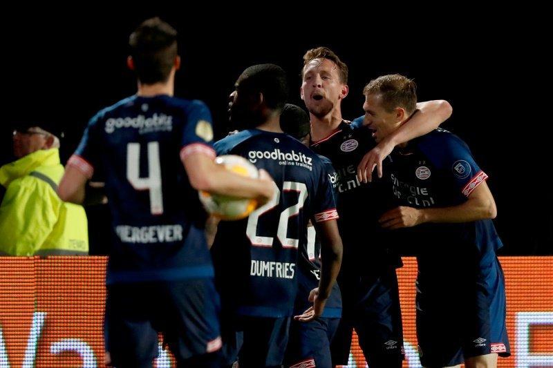 PSV tempel Ajax di hasil dan klasemen Liga Belanda