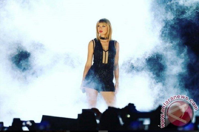 "Taylor Swift berkolaborasi dengan Brendon Urie rilis ""ME!"""