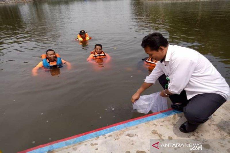 "DKP Kulon Progo gencarkan ""restocking"" ikan di embung"