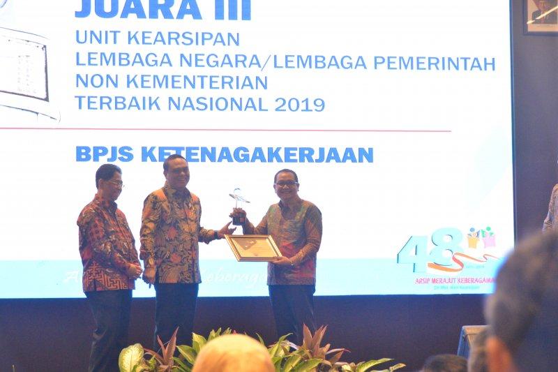 BPJS Ketenagakerjaan raih penghargaan ANRI Award 2019