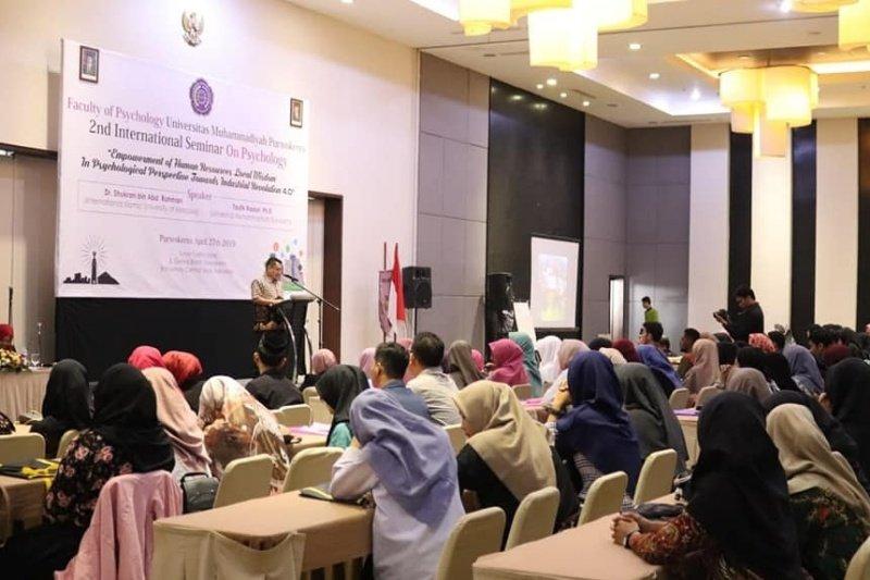 Tingkatkan wawasan mahasiswa, Fakultas Psikologi UMP menggelar seminar internasional