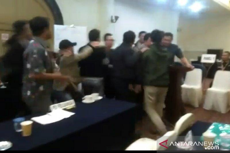 Rapat pleno rekapitulasi kabupaten Cianjur masih berlanjut