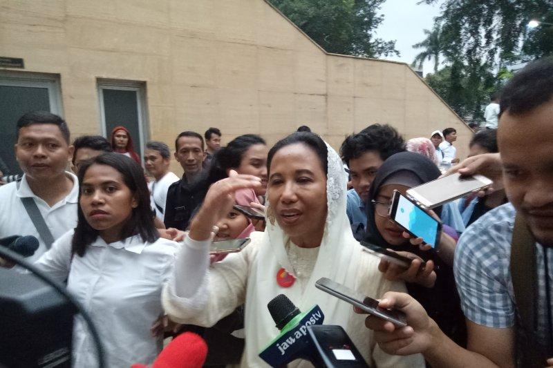 Menteri BUMN sebut harga tiket pesawat Garuda masih normal
