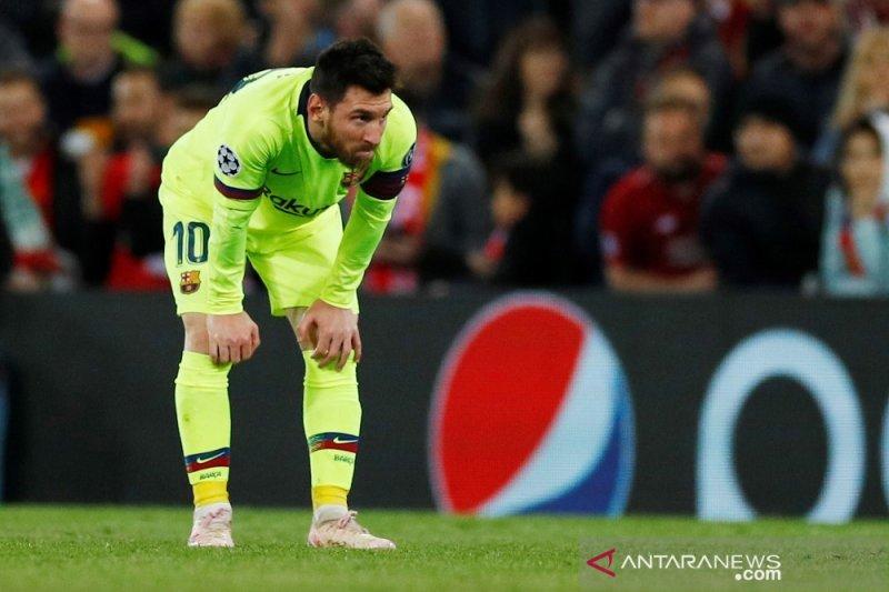 Usai peluit panjang, delapan akun twitter Barcelona membisu