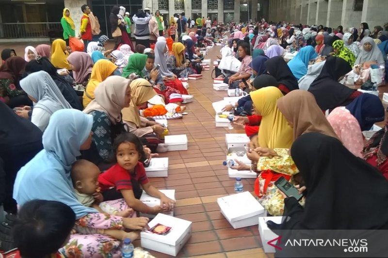 Bukber puasa gratis  di Masjid Istiqlal jadi wisata religi