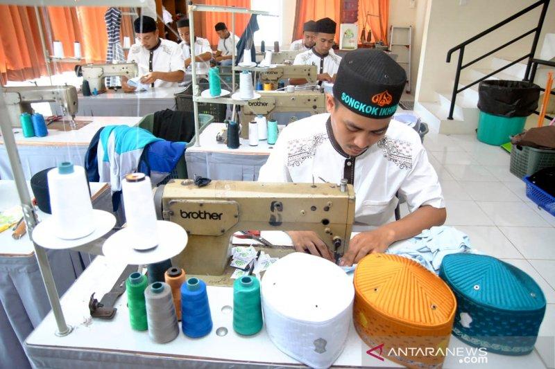 Songkok produksi Bogor diekspor ke 13 negara