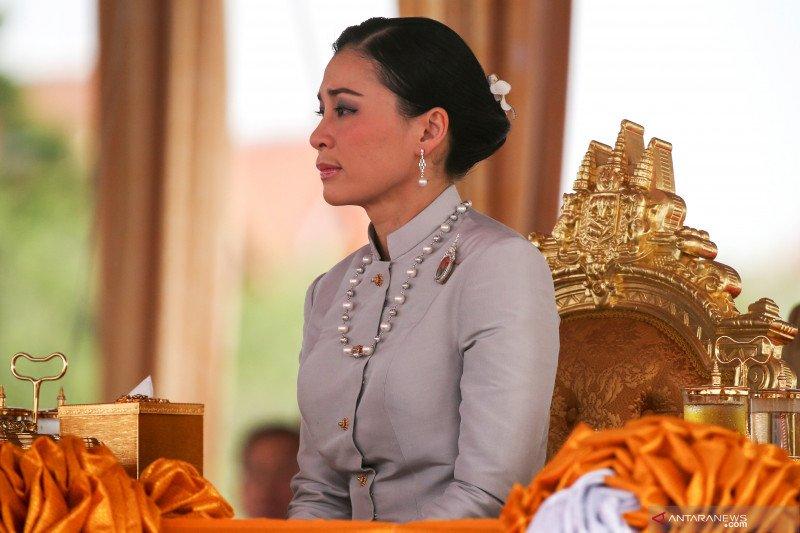 Dua pedemo di Thailand didakwa menyerang ratu, diancam penjara minimal 16 tahun
