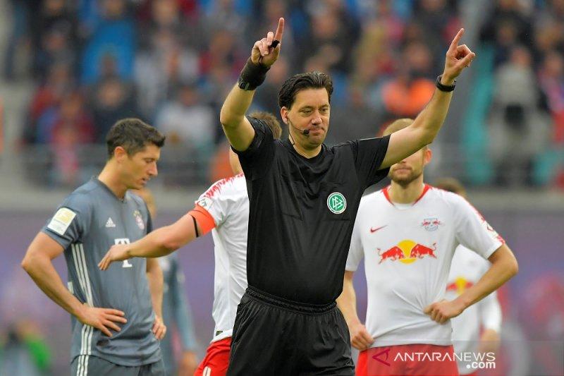 VAR tunda pesta juara Bayern Muenchen