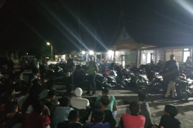 Terlibat tawuran di Gor Rang Agam Lubukbasug, 53 pemuda ini diamankan polisi