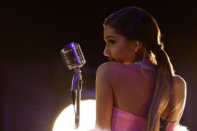 Ariana Grande tunda tur dunia gara-gara tomat