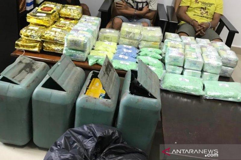 Di Kampung  Ambon polisi temukan 1.000 ekstasi